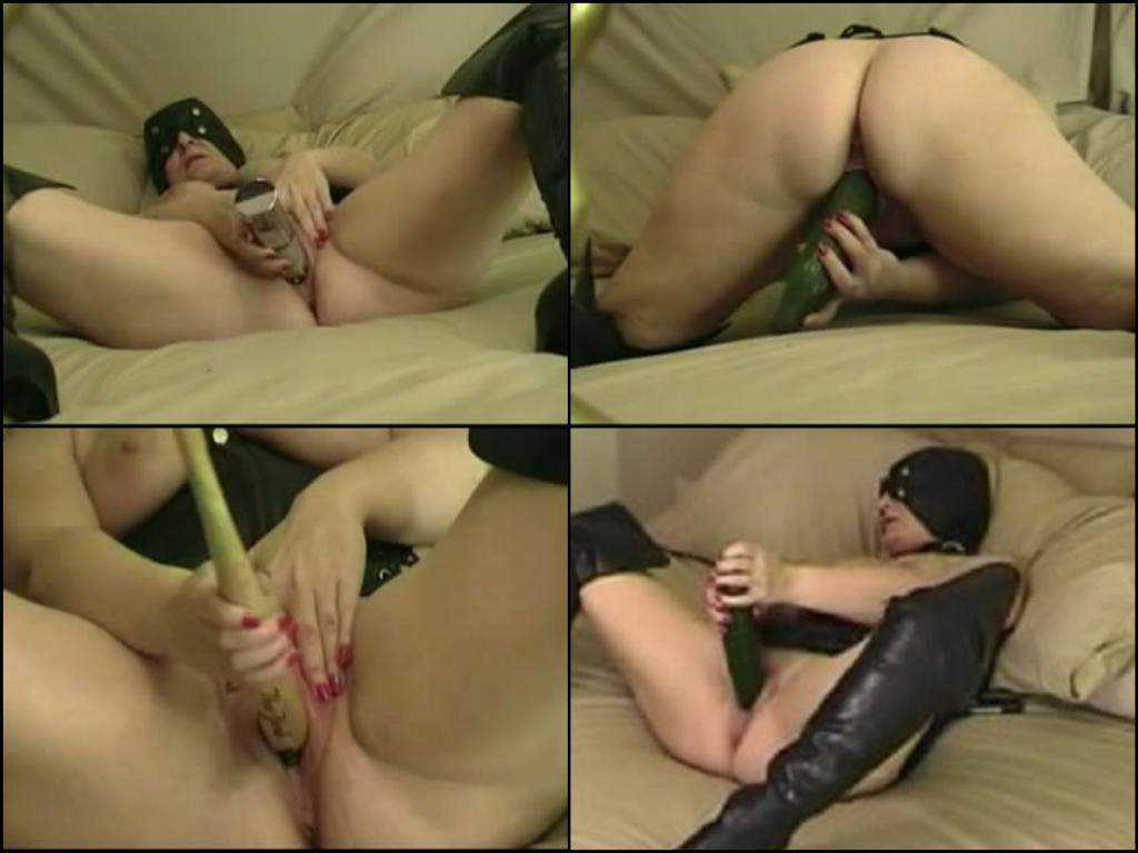 Unique bbw amateur long cucumber and baseball bat insertion