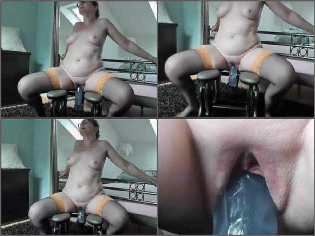 Amateur granny fucking machine porn extreme