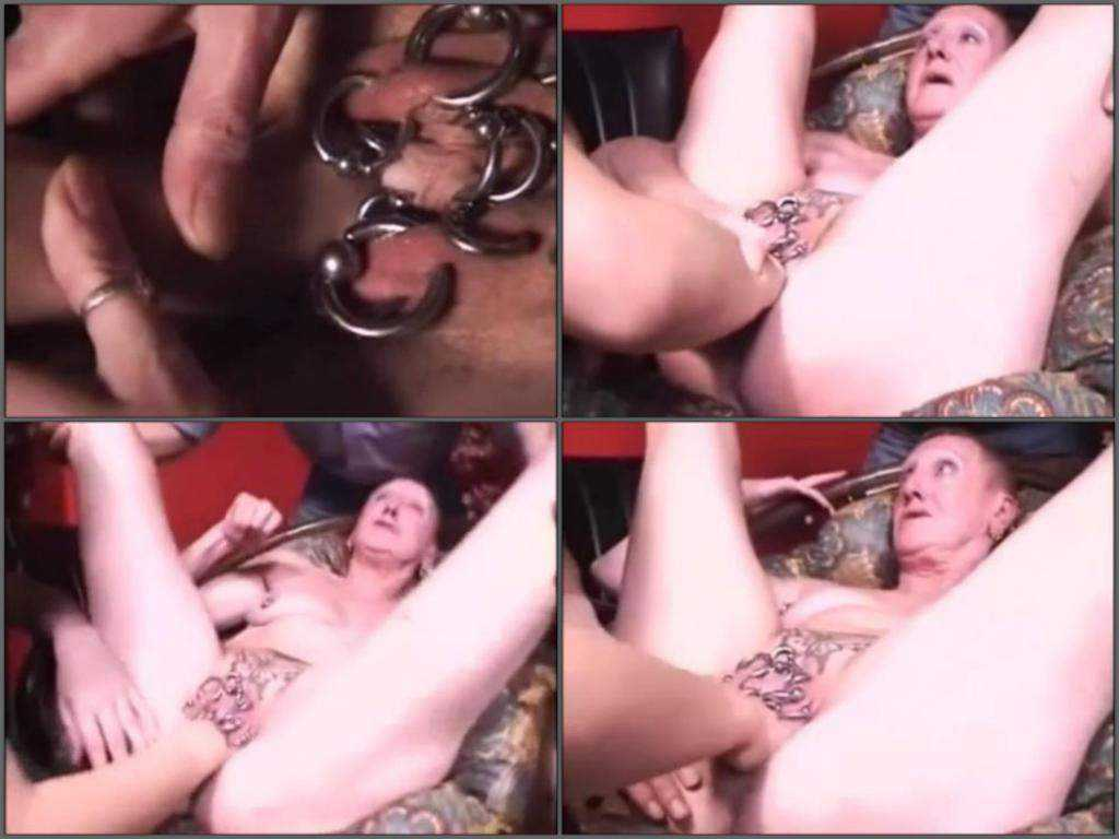 Amateur granny gets fisted closeup
