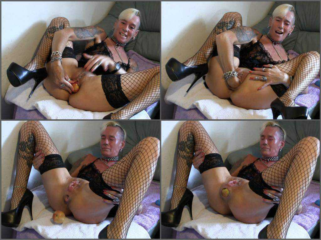 Dirty milf gives birth to two apples webcam new