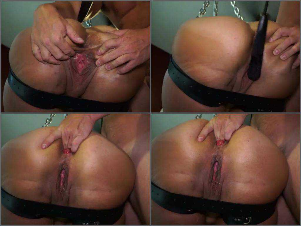 Hanging wife with sweet asshole rosebutt close up