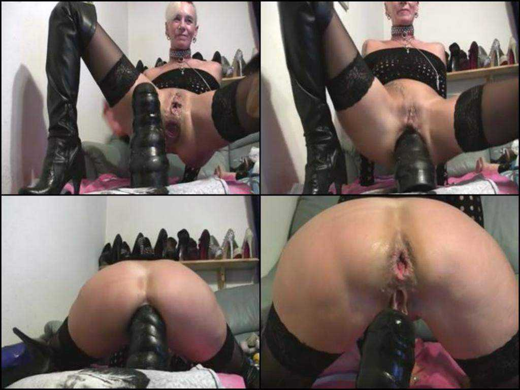 Monster dildo anal riding depraved wife webcam