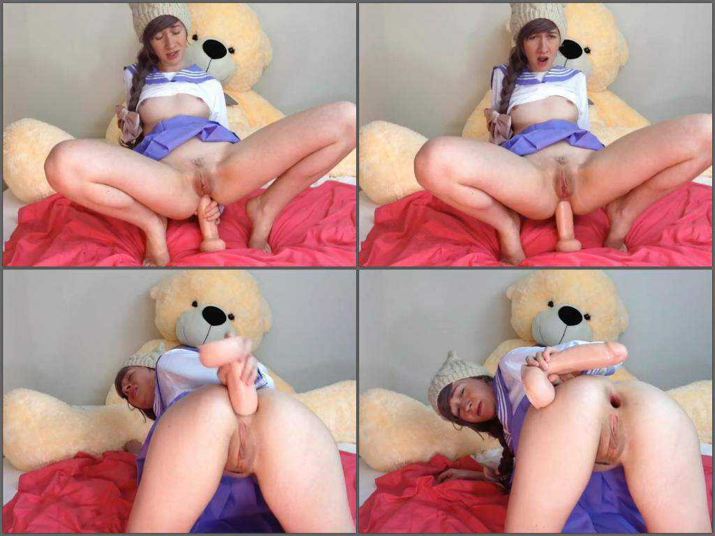 Teen anal gape loose in doggy pose after toy fucked