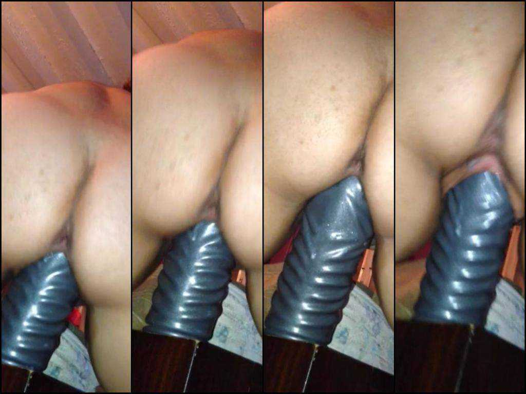 Unique homemade video slut colossal dildo rides