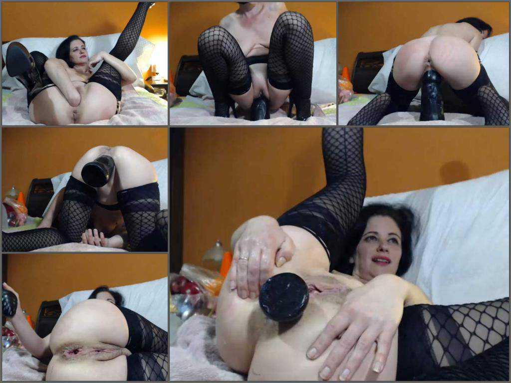 Sexy milf Queenvivian penetration different big dildos in asshole gape – Release April 2, 2018