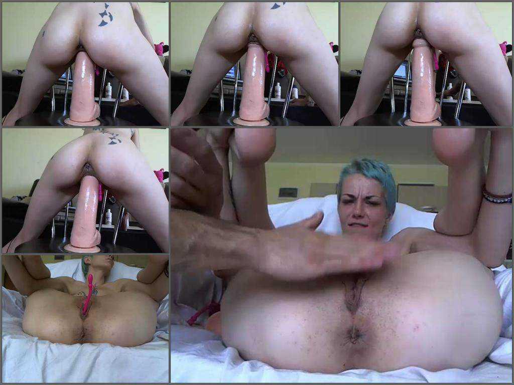 Webcam tattooed bitch angelsdaniel giant toy vaginal rides