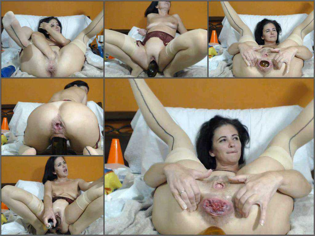 Kinkyvivian anal rosebutt stretched with balls, dildos and wine bottle