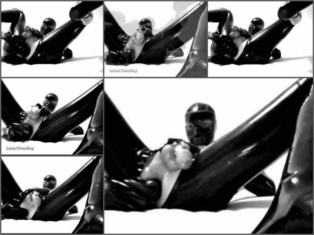 Webcam shemale LatexTeenBoy giant black inflatable dildo deep anal