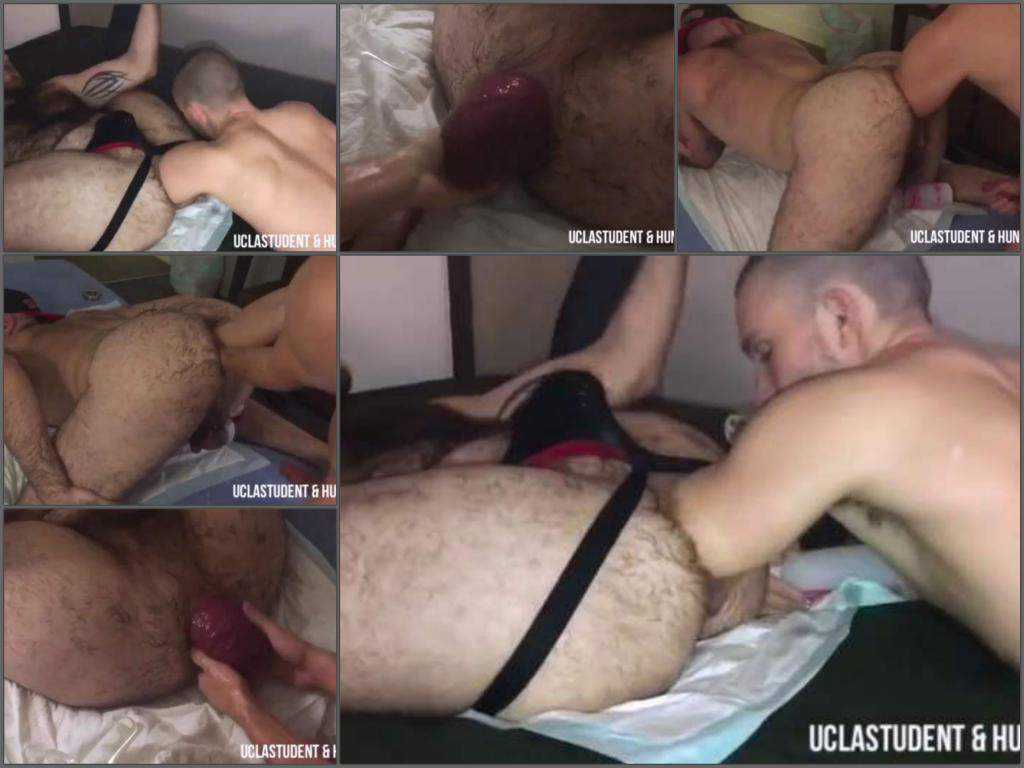 Double fisting – German gays shocking anal prolapse show and double fisting