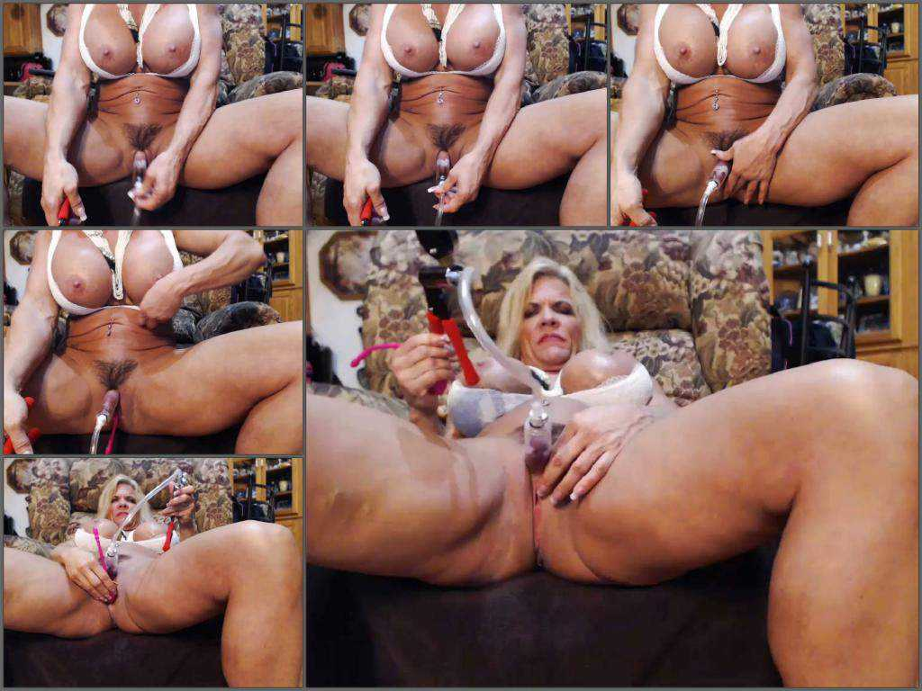 Busty mature – Busty amarican milf musclemama4u big clit pump herself