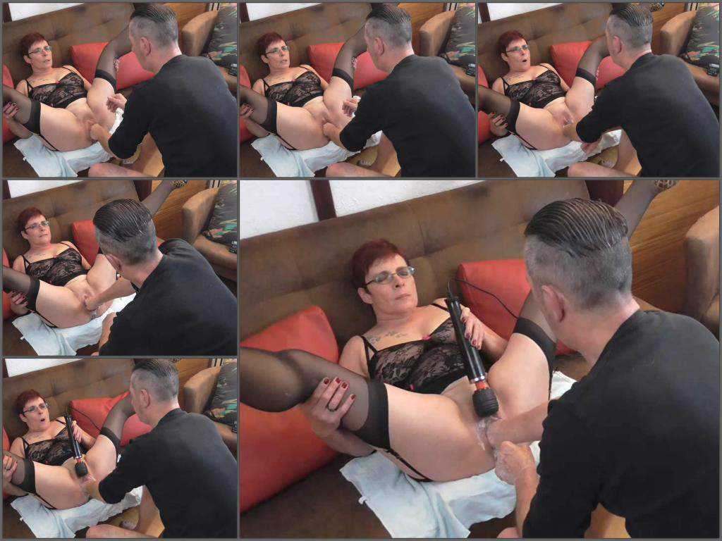 Pussy fisting – Perverted german granny gets fisted vaginal from male
