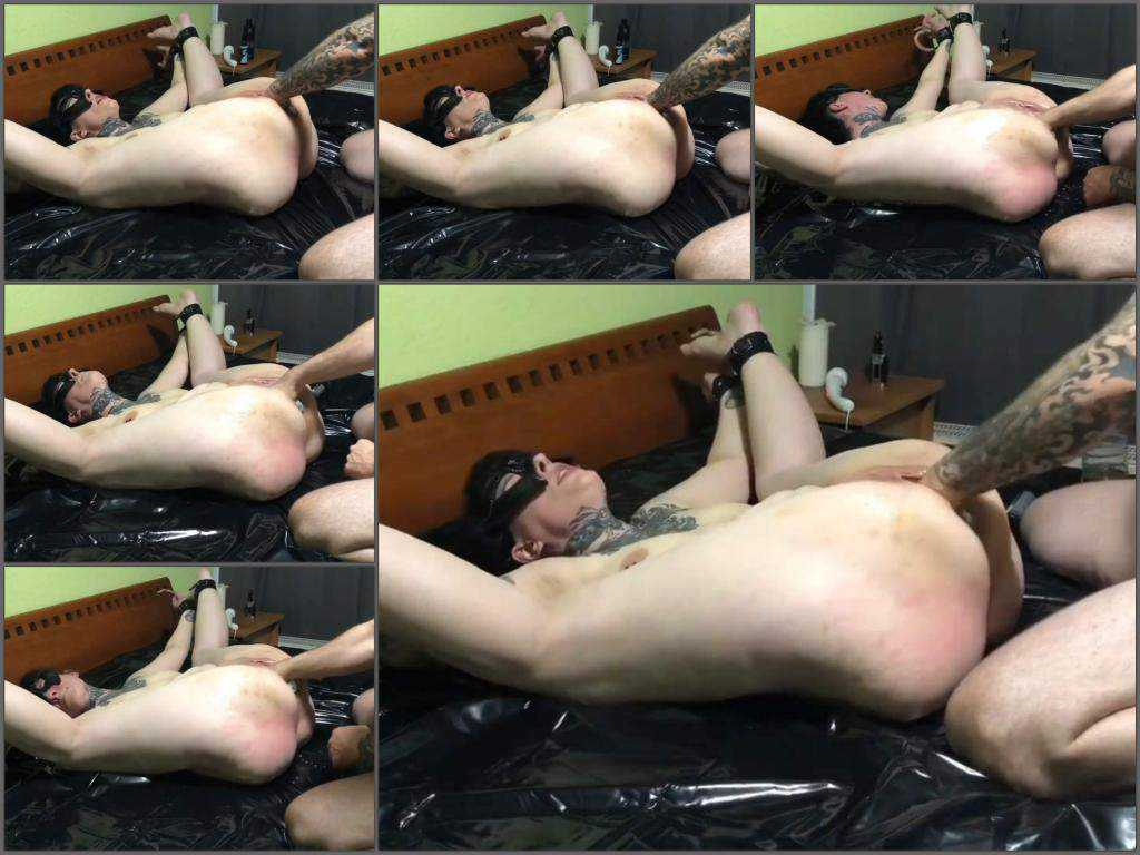 Mask Fetish – Amateur tattooed masked wife awesome vaginal fisting sex