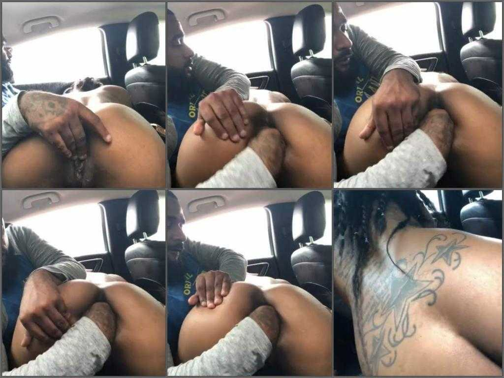 Amateur – Busty ebony gets fisted vaginal in the car