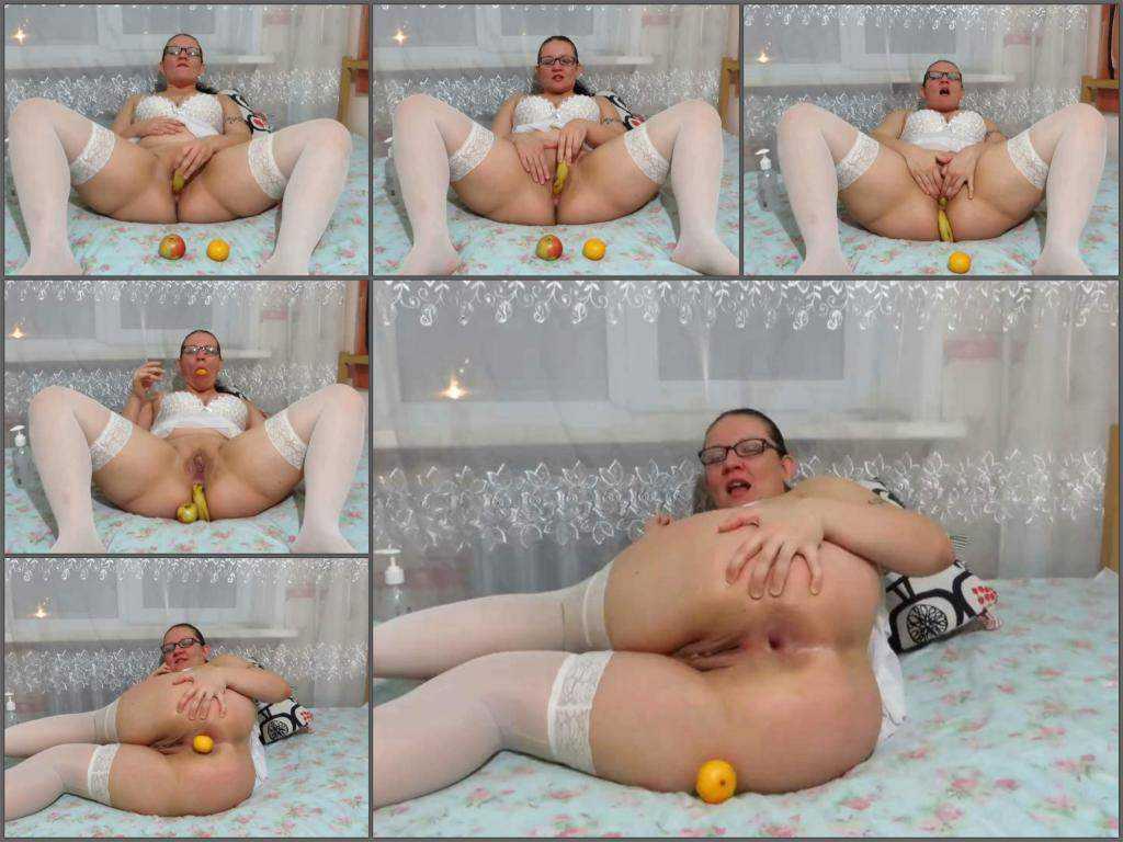 Big Ass – Russian big ass girl banana, apple and orange in anal gape fuck