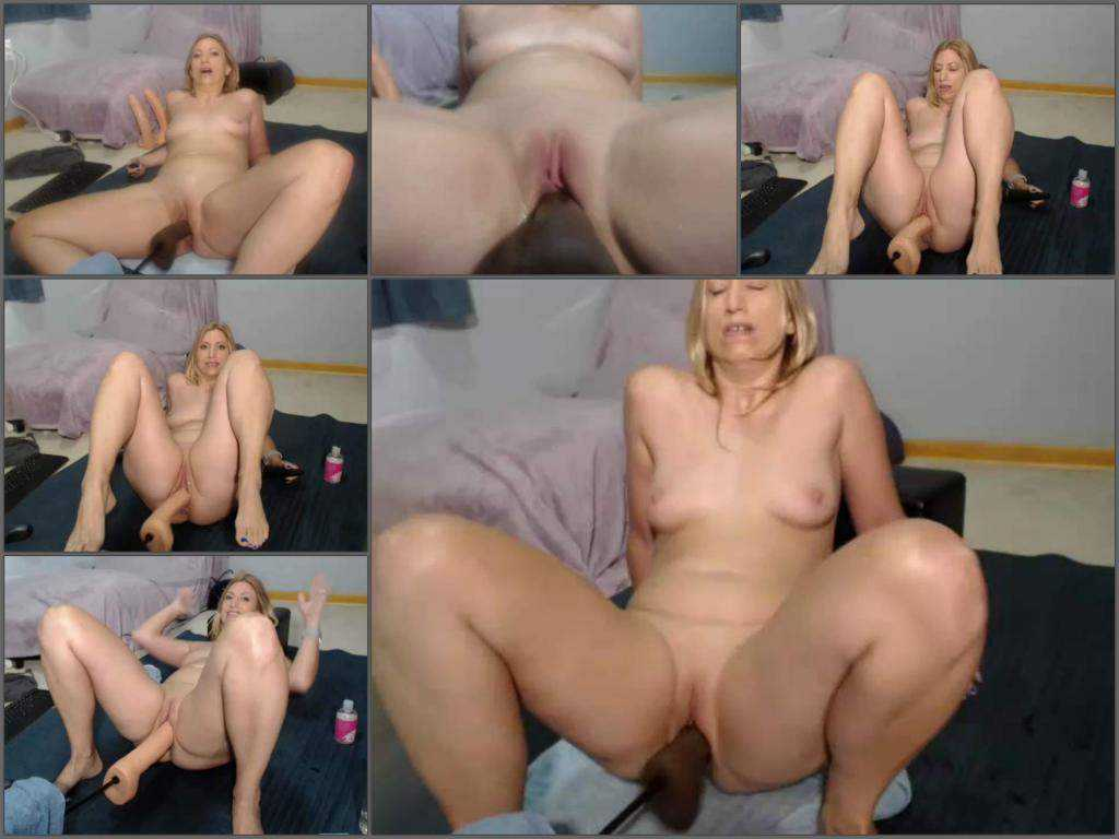 Fucking machine – Webcam blonde MILF Wynfreya fucking machine sex vaginal