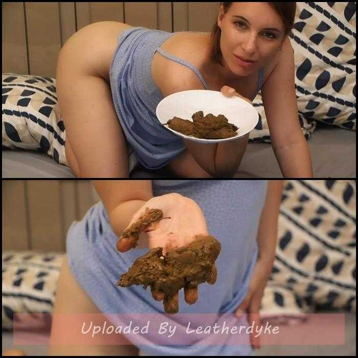 Human Toilet – many poops with LittleMissKinky