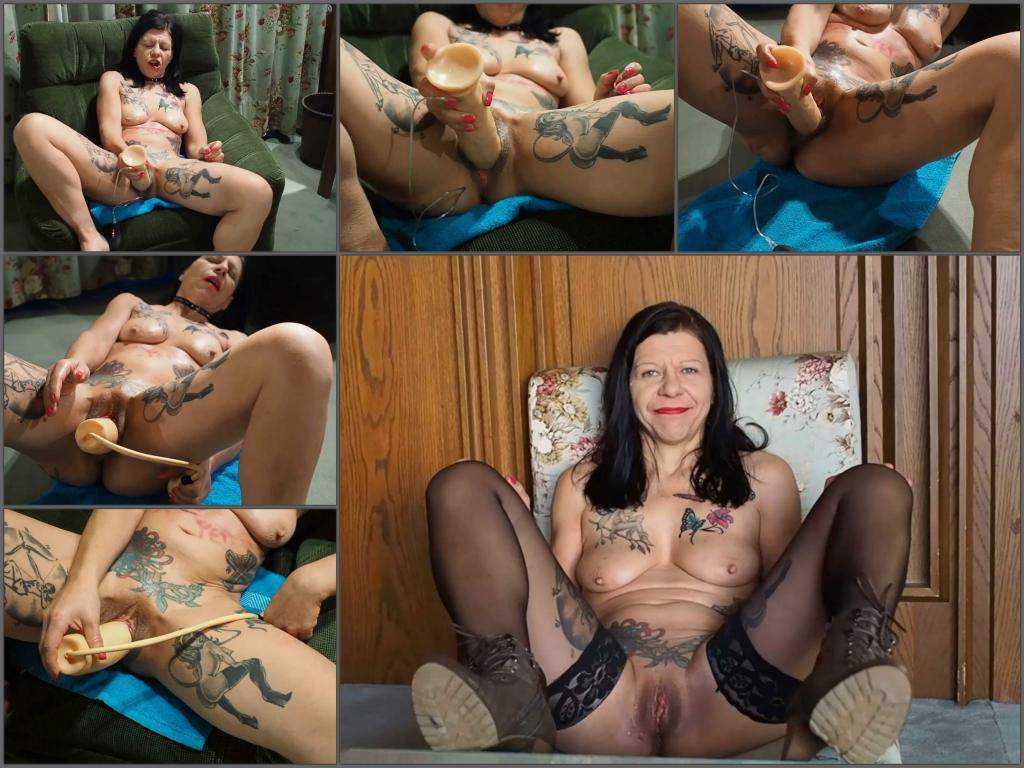 German girl – Kinky german MILF SlutPetra games with different big dildos