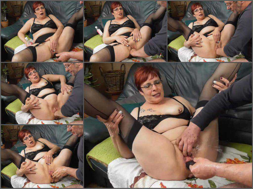 Amateur – Amateur redhead granny squirt during fisting and dildo fuck