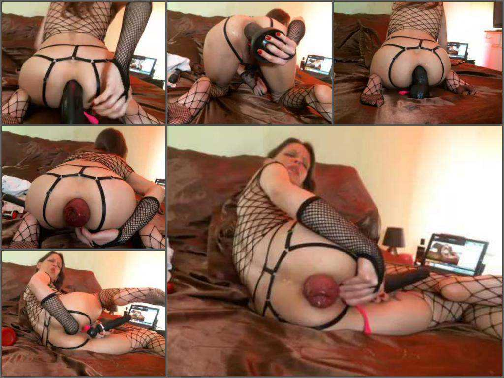 Huge dildo – Rare anal prolapse video longer than 1 hour with Maria Hella