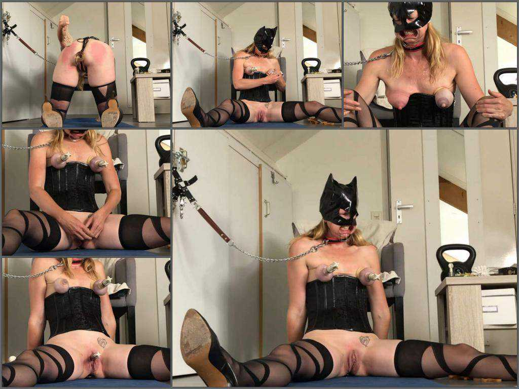 FullHD porn – Rubber catgirl Spiel_Maschinerie rough nipples and clit pump
