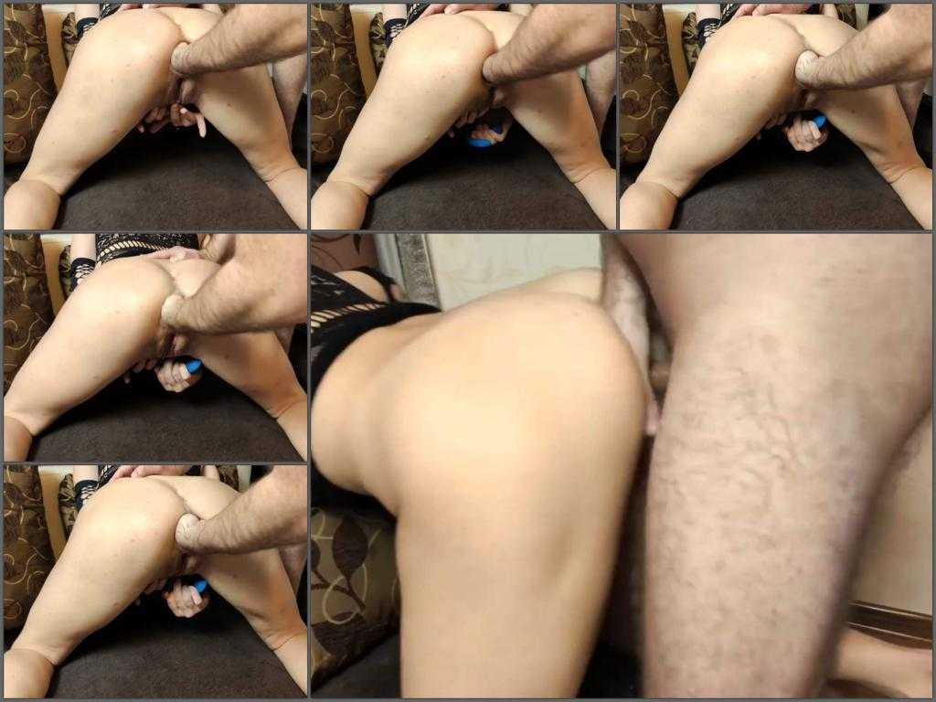 Fisting sex – This horny couple try anal fisting and sex at the moment