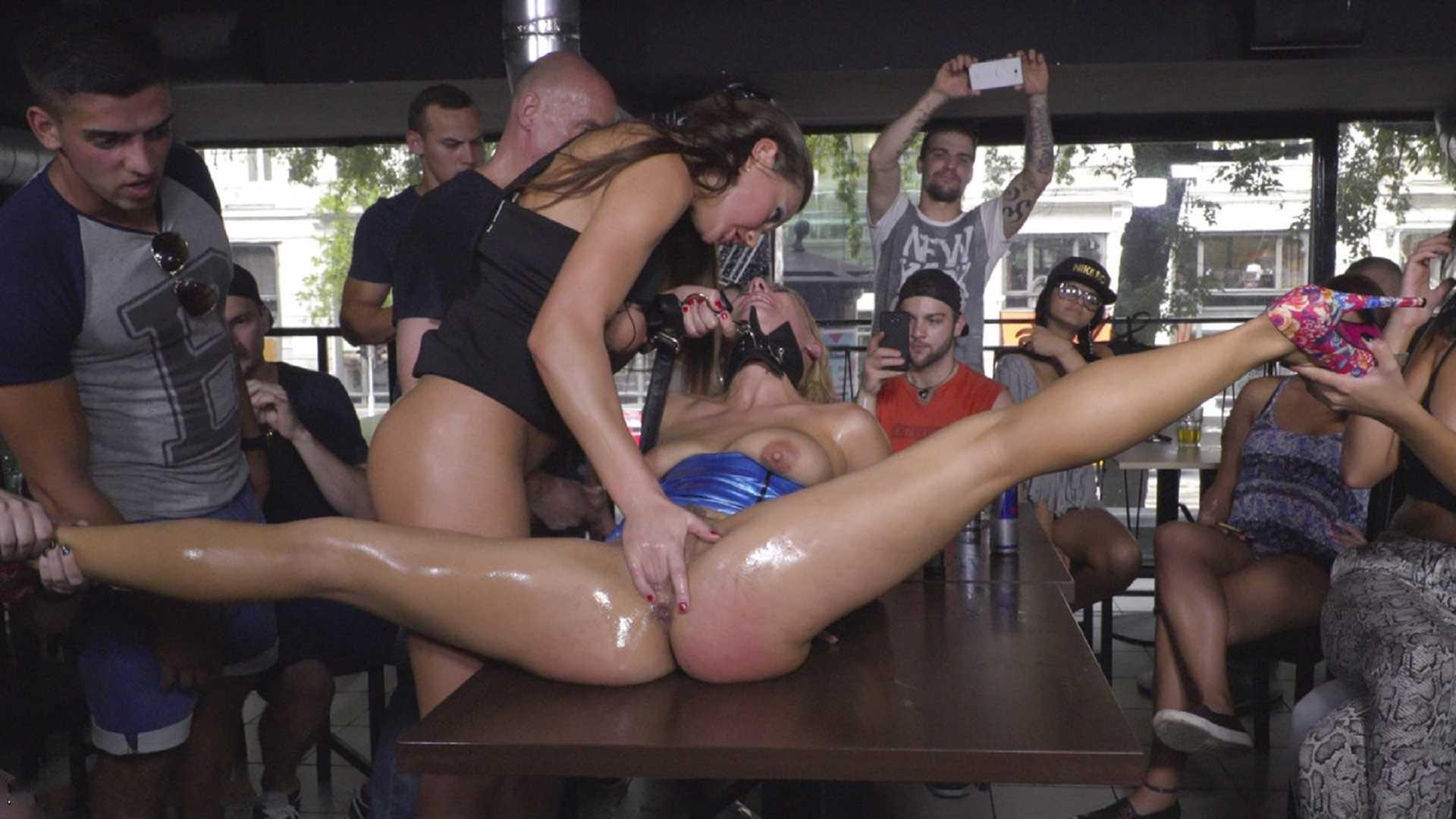 Ролики с publicdisgrace, Видеозаписи Public Disgrace Porno - Привселюдное 27 фотография