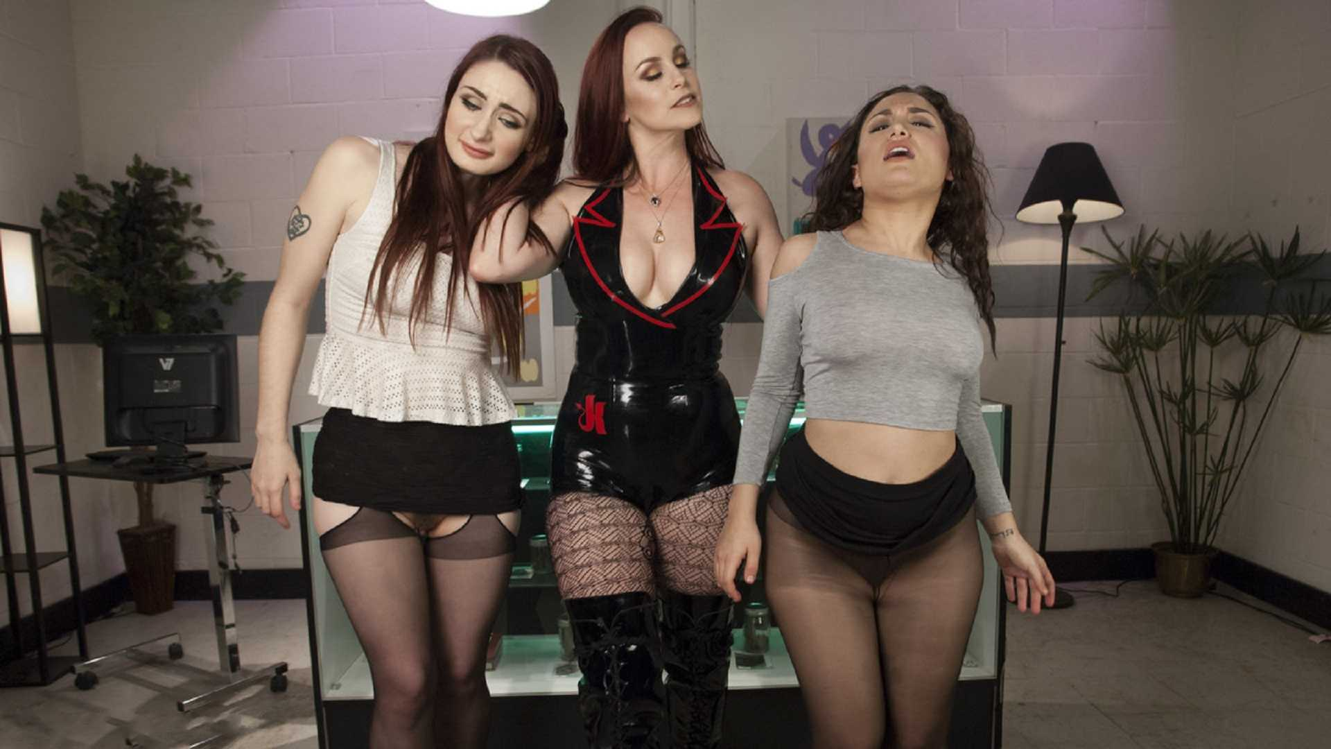 Bella Rossi Dispenses pain and Pleasure to Gabriella & Violet's Asses – Violet Monroe, Gabriella Paltrova, Bella Rossi  | HD 720p | May 19, 2017