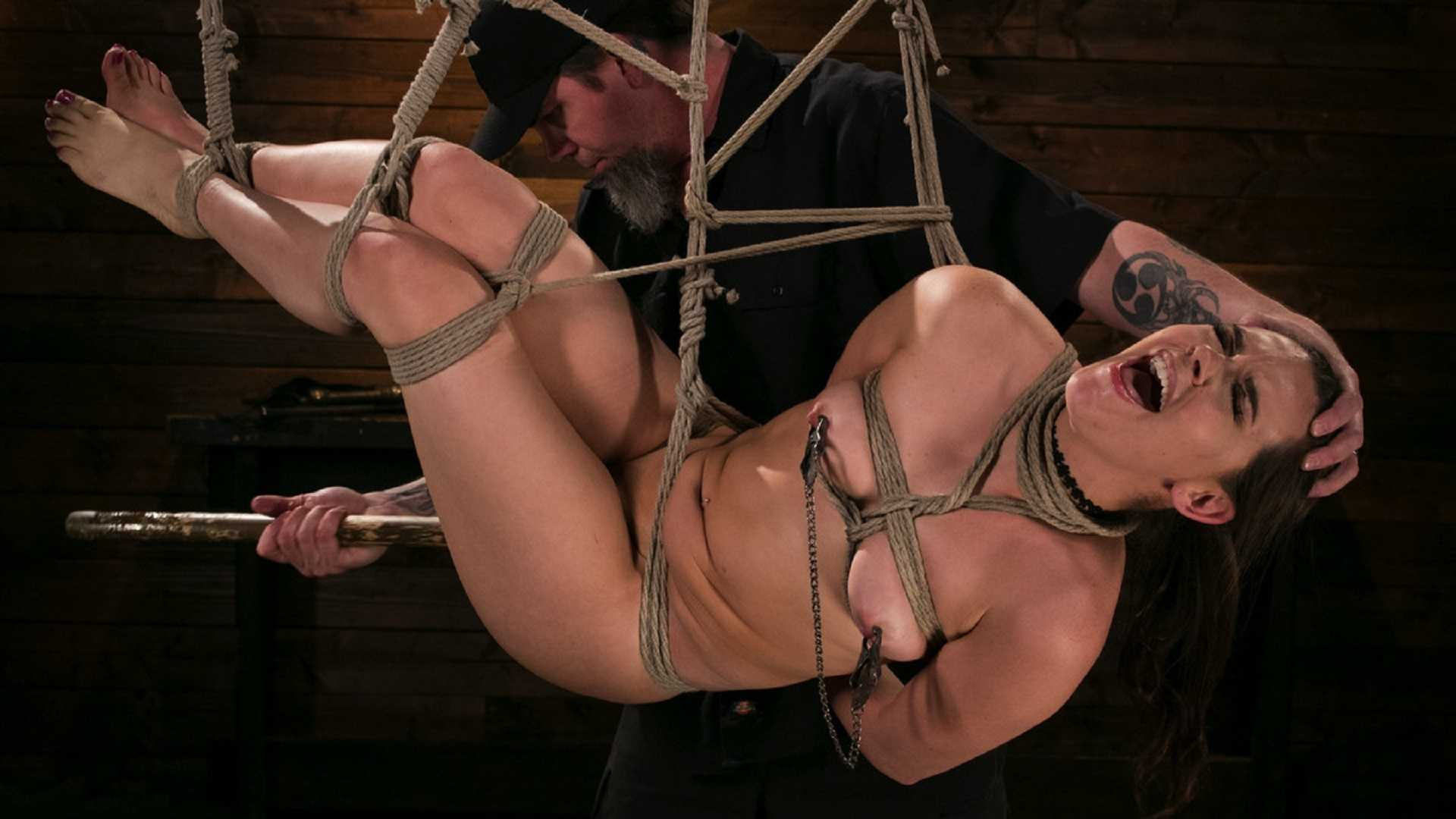 zhestkie-bdsm-video-dvorets-san-susi