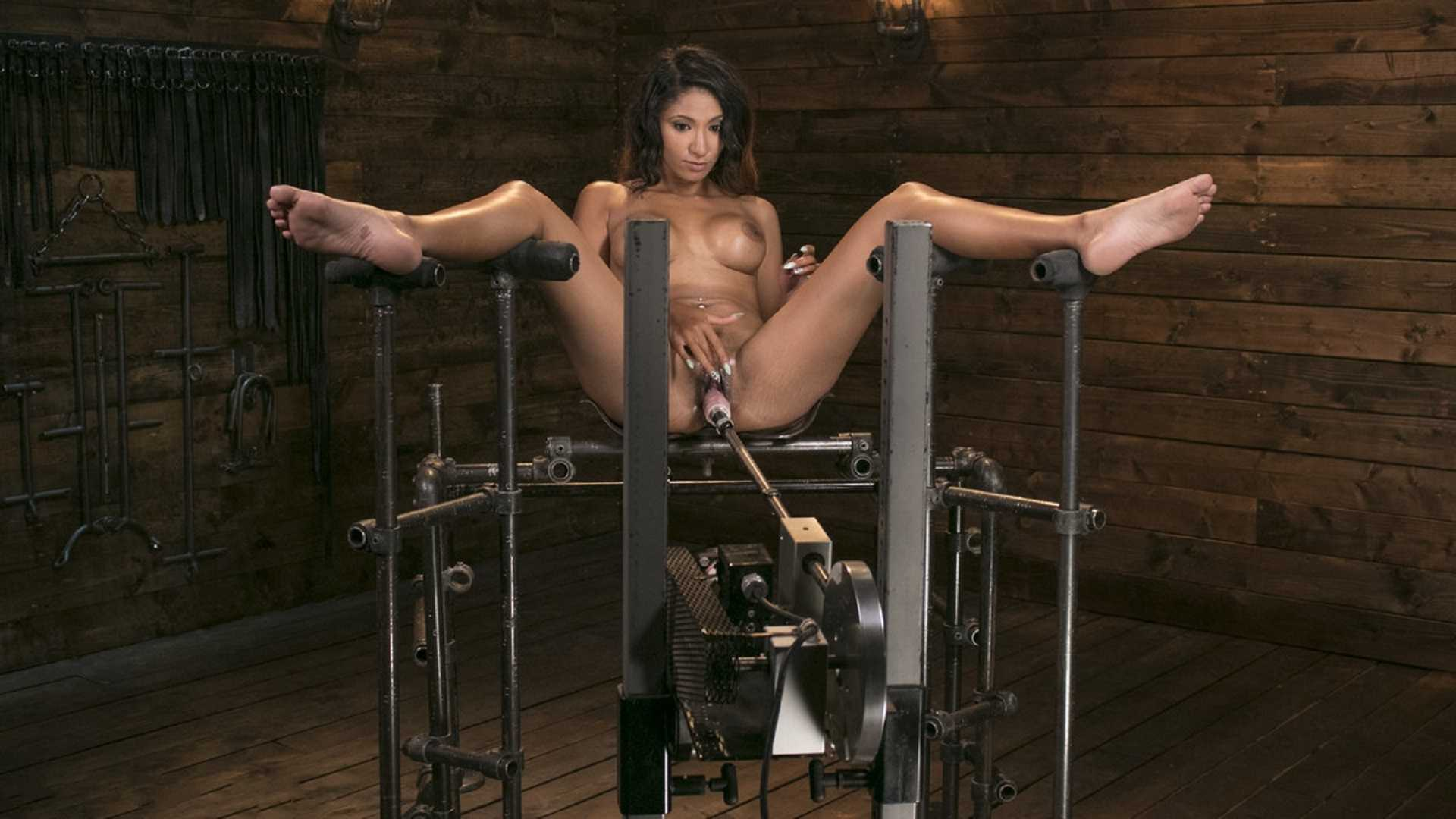 Long Cool Woman Gets the Machine-Fucking of Her Life – Sadie Santana | HD 720p | May 12, 2017