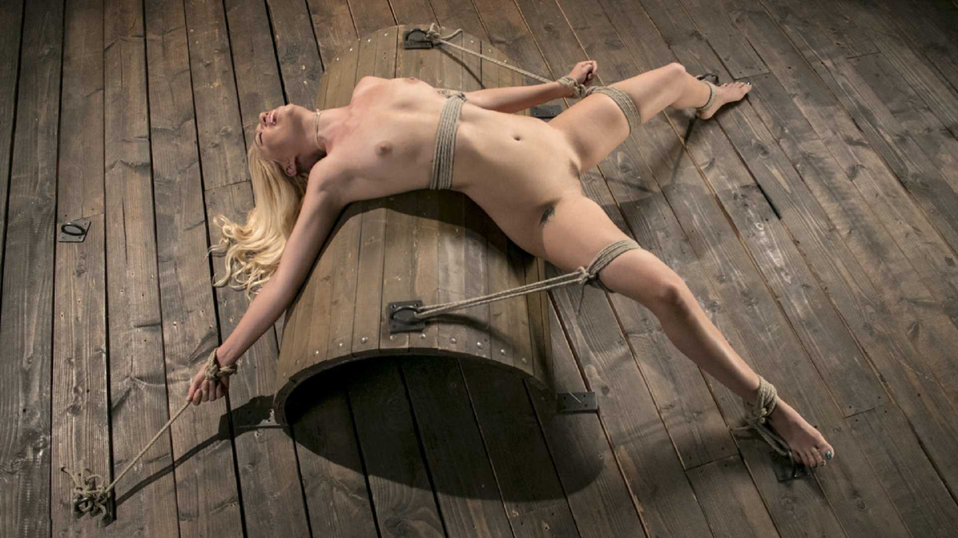 Sexy Blonde Mistres Submits to Rope Bondage and Suffering – Lyra Law, The Pope | HD 720p | June 8, 2017