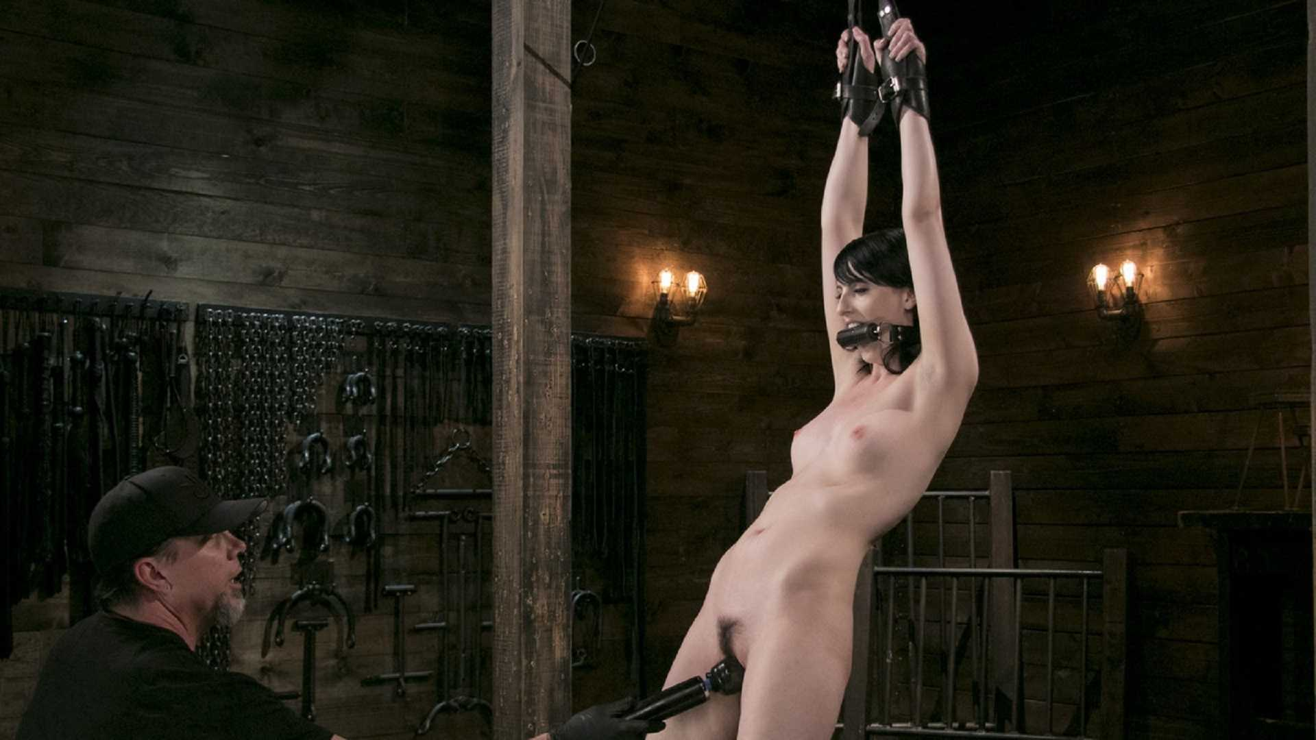 Fresh Meat – Alex Harper Gets Her 1st Taste of Domination and Bondage | HD 720p | Jul 13, 2017