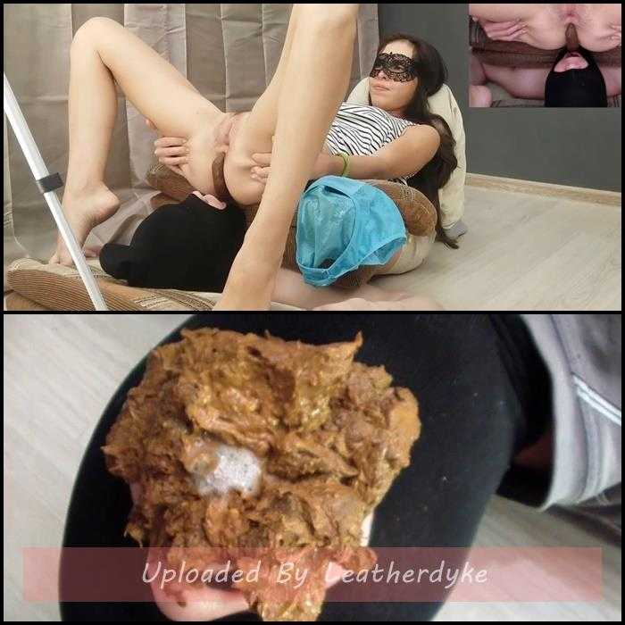 Comfortable feeding of the toilet slave – Alina pooping after university