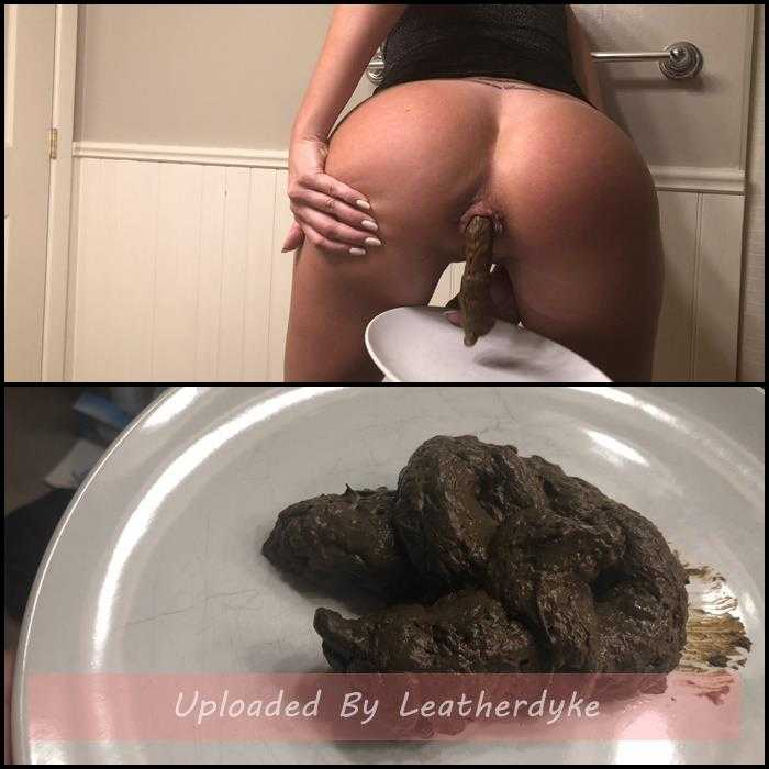 Sexy dress creamy shit on a plate with TinaAmazon | Full HD 1080p | October 31, 2019
