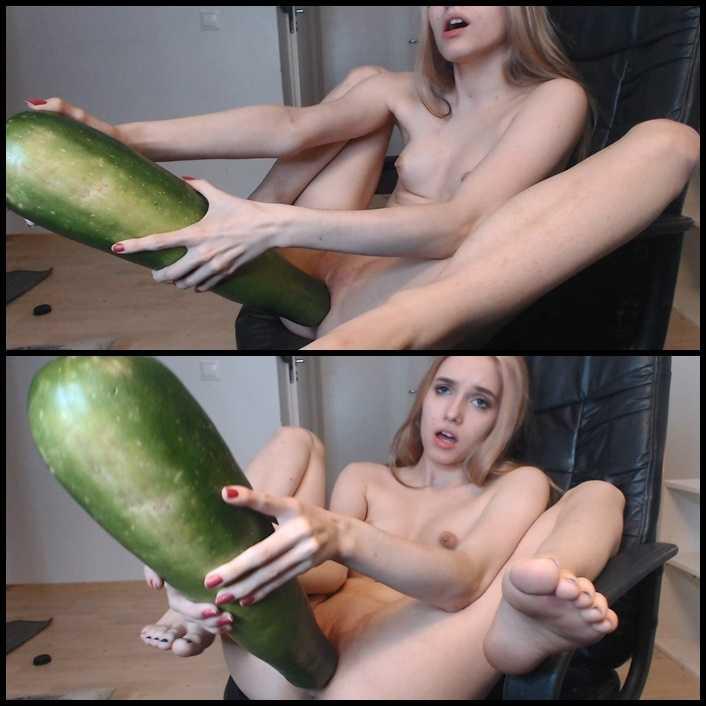 scarletloveu – My Big Zucchini