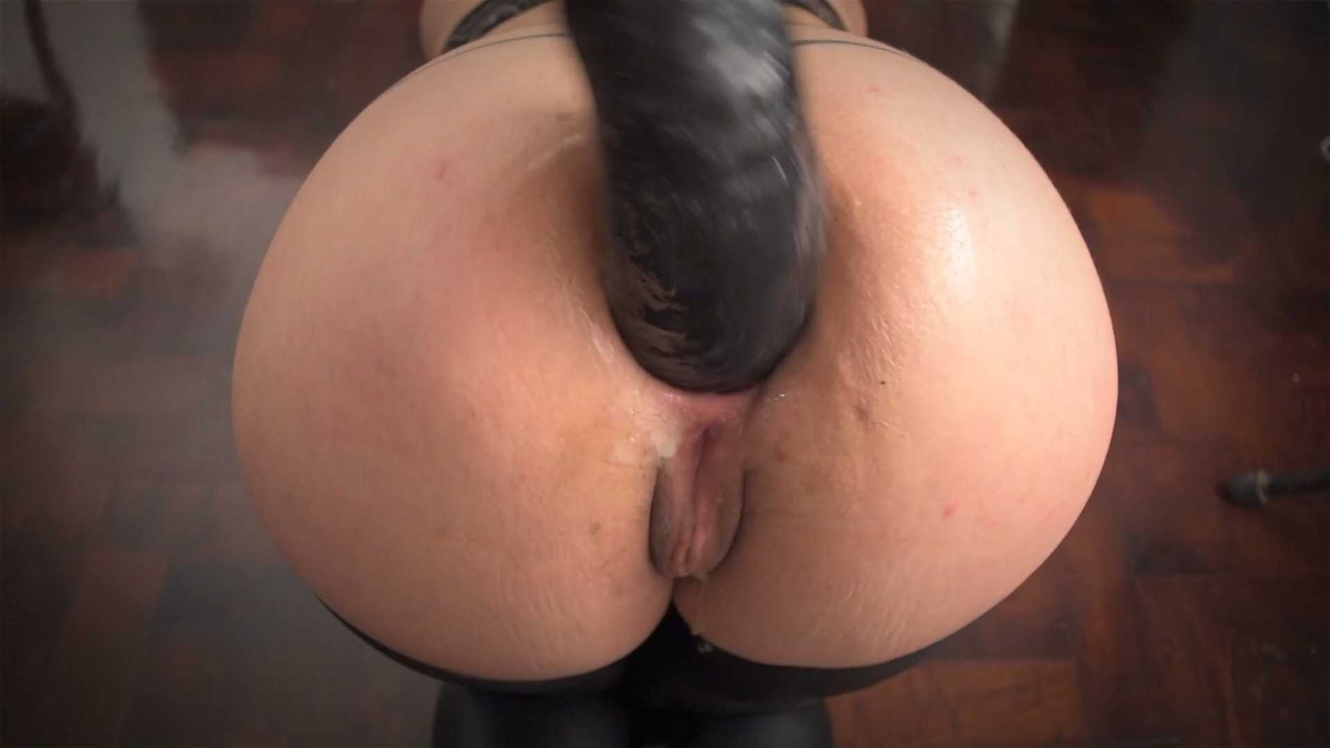 Extreme anal dildo with ArgenDana